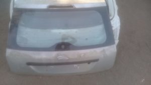 2006 FORD FIESTA TAILGATE COMPLETE - USED(GPO)