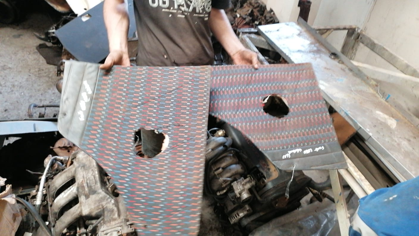 FORD SAPPHIRE RIGHT REAR DOOR PANEL - USED(GPO)