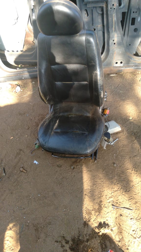 OPEL CORSA GAMMA RIGHT FRONT SEAT - USED(GPO)