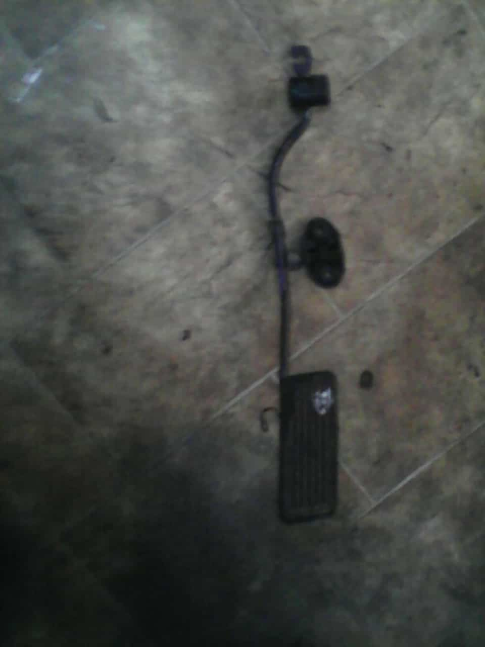 toyota camry pedal - USED(GPO)