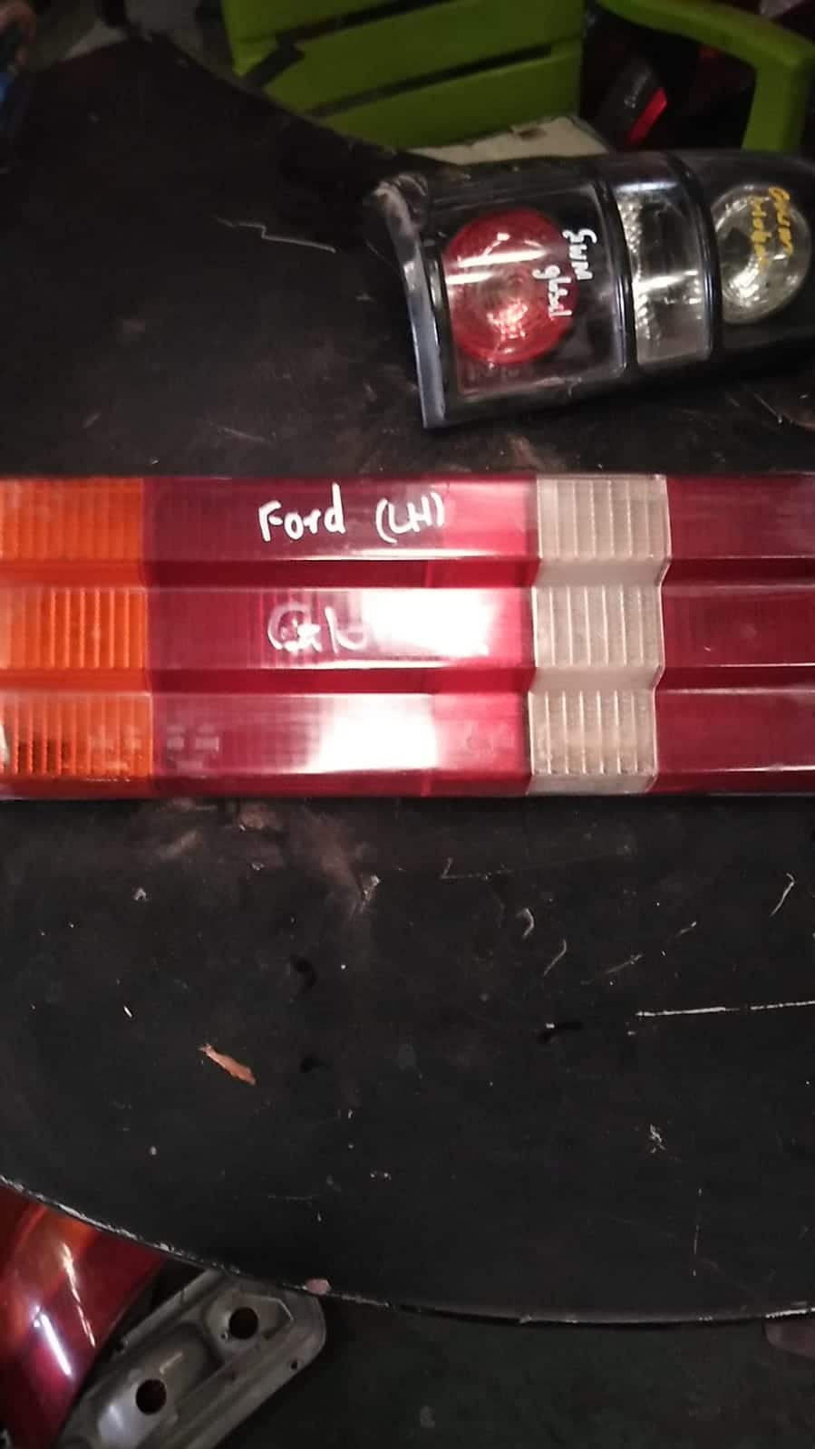 FORD XR3 LEFT TAILLIGHT - USED