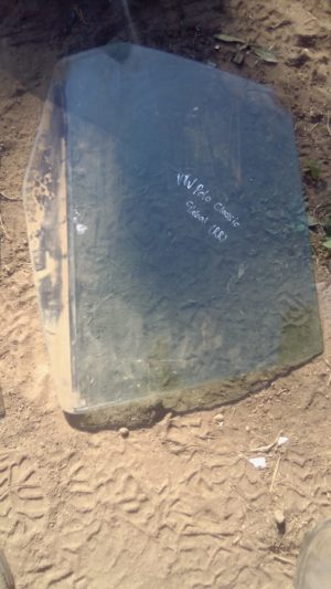 VW POLO CLASSIC RIGHT REAR WINDOW - USED