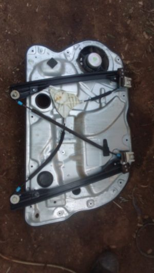 Vw polo right front window mechanism